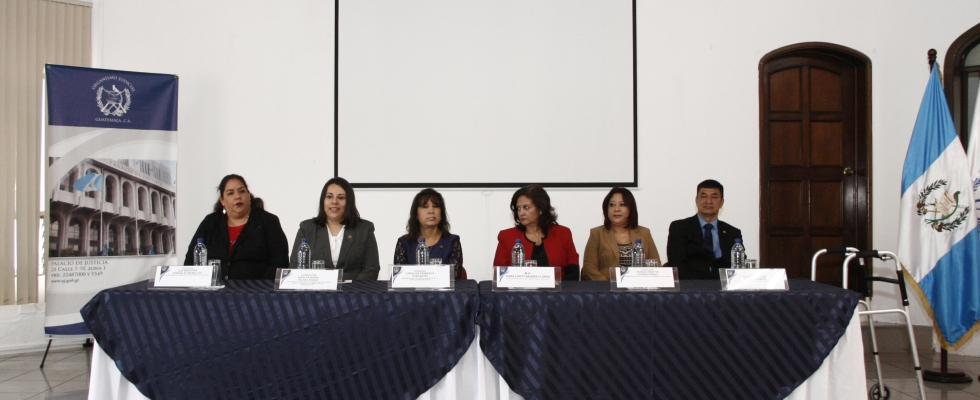 Consejeros del Consejo de la Carrera Judicial y Directora de la UCI, el día de la Evaluación Jurídica en Plataforma Educativa del XVI PROFINS 2018