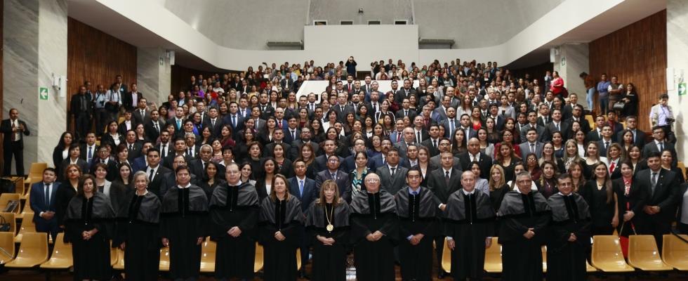 Se Juramentan los primeros abogados y notarios del año 2,020