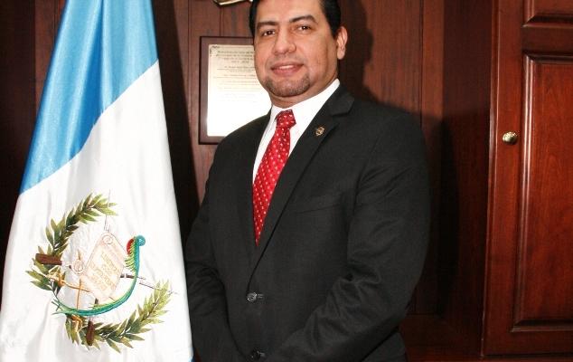CURRICULUM VITAE DEL DOCTOR CARLOS GUILLERMO GUERRA JORDÁN