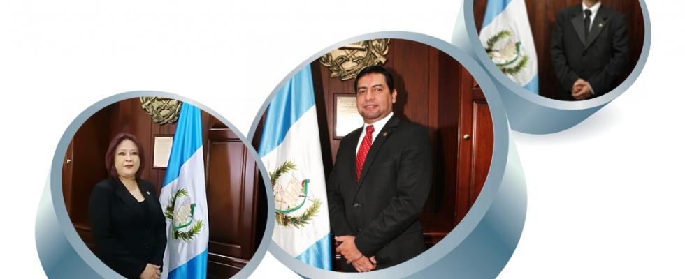 Doctor Carlos Guillermo Guerra Jordán, MSc. Henry Leonidas Ramos Romero y Licenciada Yesika Lissette Chiapas Pérez