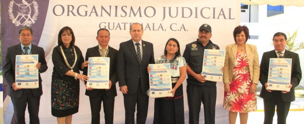 Lanzan campaña de mediación de familia en idiomas mayas